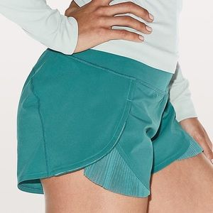 Lululemon Play Off The Pleats Size 4 Teal Shorts